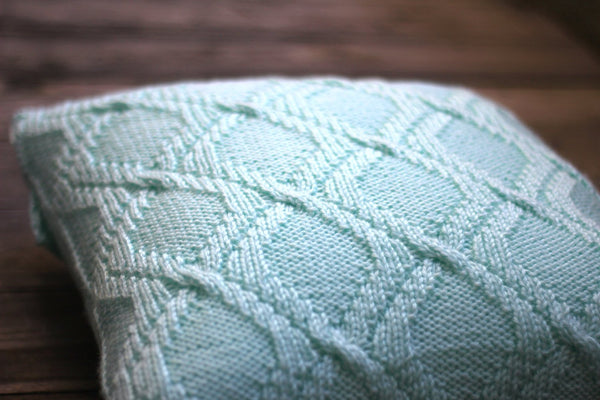 DIY knitting kit, knit kit, knitting tutorial for Rombic pillow case