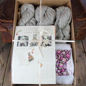 Biggest Bear Knitting Kit