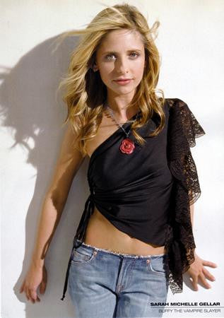 Sarah Michelle Gellar Poster jeans 24x36 - Fame Collectibles