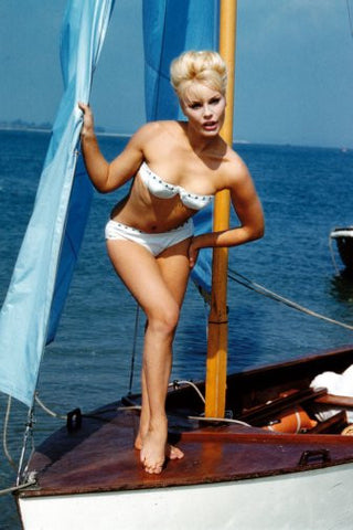 Elke Sommer Poster 24inx36in Poster 24x36 - Fame Collectibles