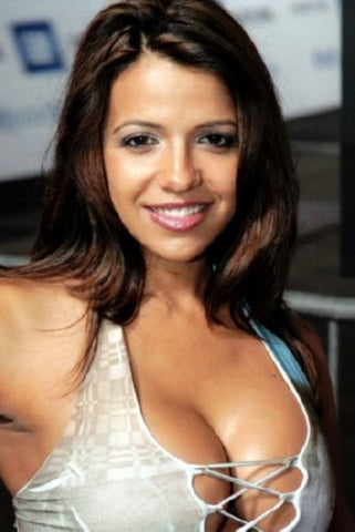 Vida Guerra Poster 24inx36in (61cm x 91cm) - Fame Collectibles