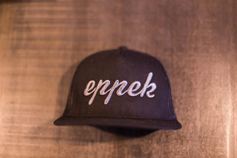 Black/black mesh snapback with charcoal 3d embroidered logo