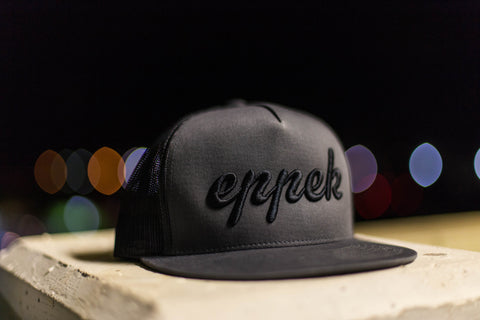 Grey/black mesh snapback with black 3d embroidered logo