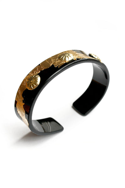 handcrafte_bangle_in_black_and_gold_by_enna