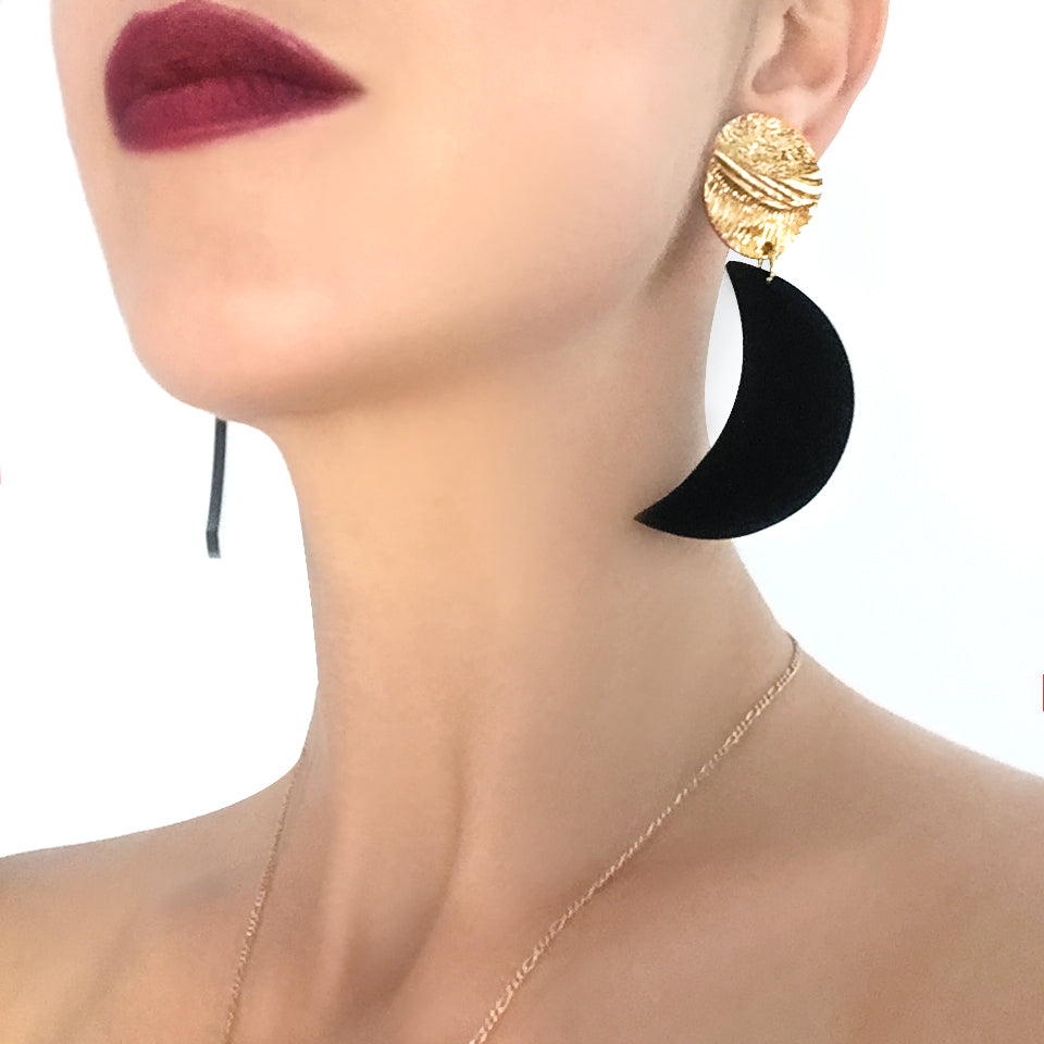 stunning crescent jewellery