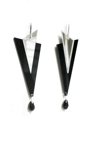 perspex_geometric_earrings_in_black_and_mirror