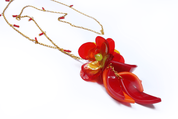 perspex_flower_necklace_in_red_by_enna