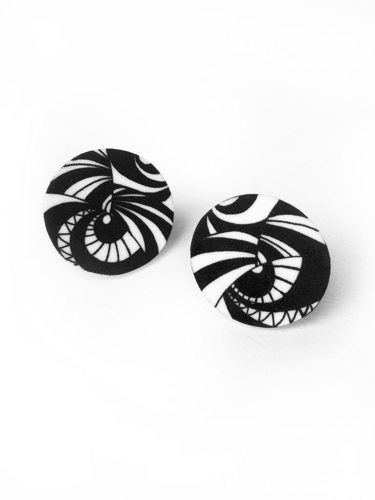 circle-stud-earrings-black-and-white-pattern