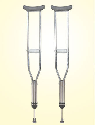 PEDIATRIC UNDER ARM CRUTCHES