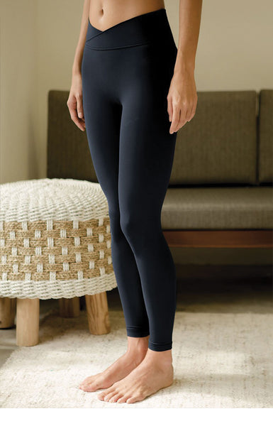Acceptance Performance Tights in Dark Navy