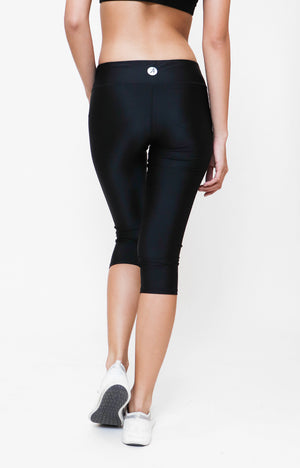 Womanly Dry Fit Capri