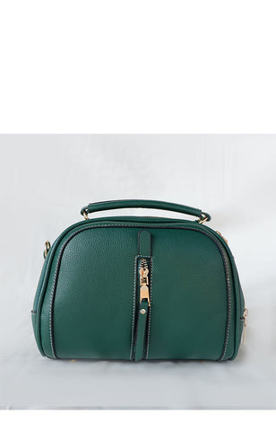 Belle in Hunter Green