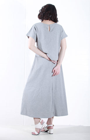 Knit Maxi Dress with Sleeves in Grey