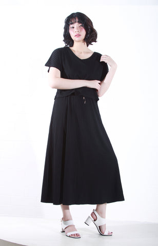 Knit Maxi Dress with Sleeves in Black