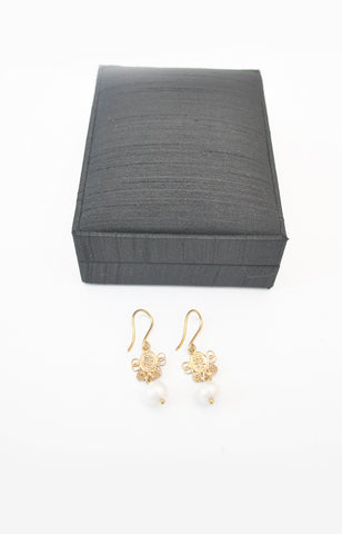 Gold Plated Silver Alfajor link + Pearl Earring