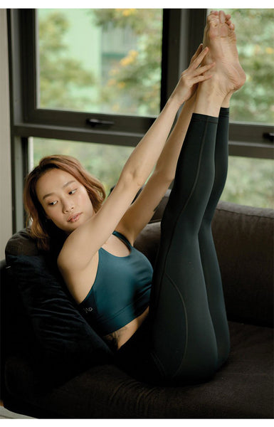 Breathe Easy High-Rise Performance Tights in Sky Captain
