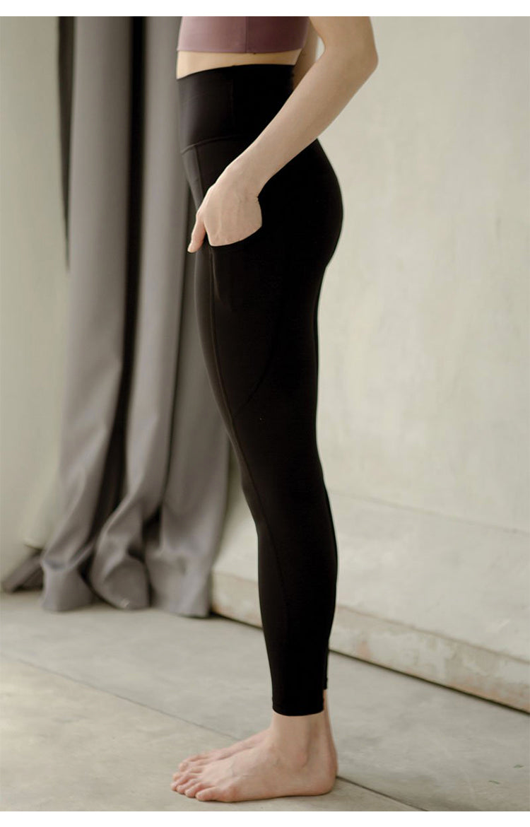 Breathe Easy High-Rise Performance Tights in Black