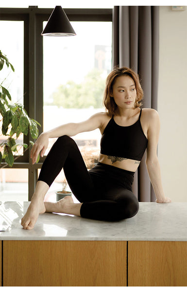 Breathe Easy High-Rise Performance Crop in Black