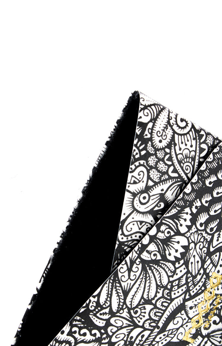 Card Sleeve - Black Zentangle