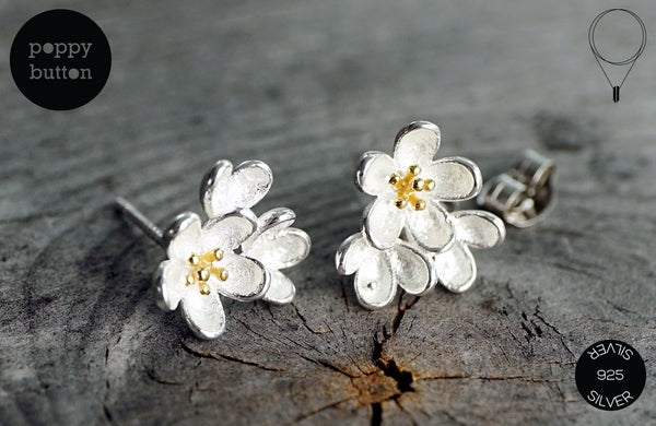 Delicate 3 sakura flowers stud earrings in 925 silver