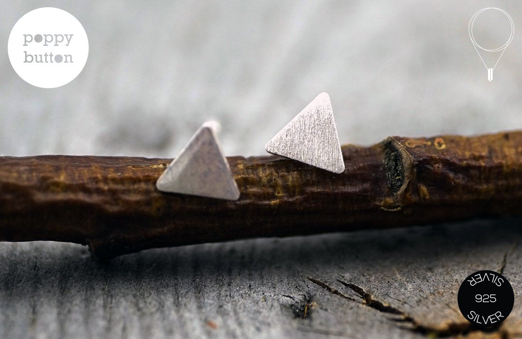 Dainty triangle stud earrings in 925 silver