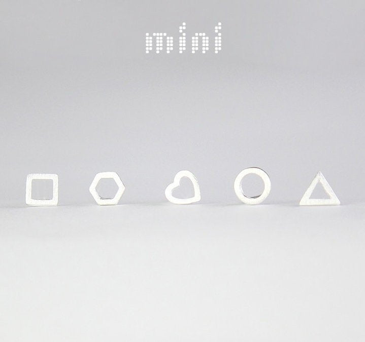 Dainty triangle silver stud earrings, minimal earrings