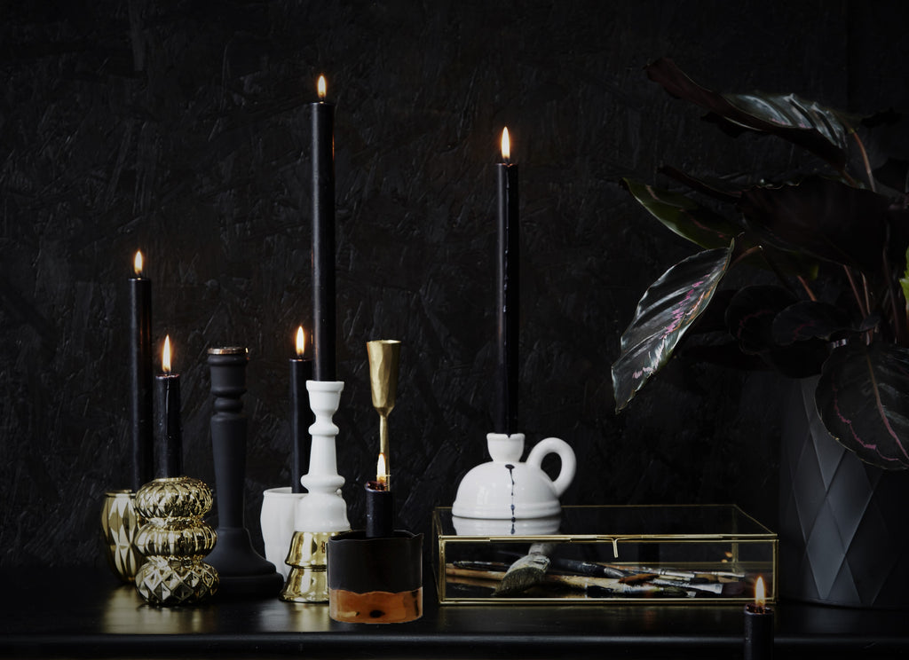Decor Guide: Grown-Up Ghoulish Glam for Halloween