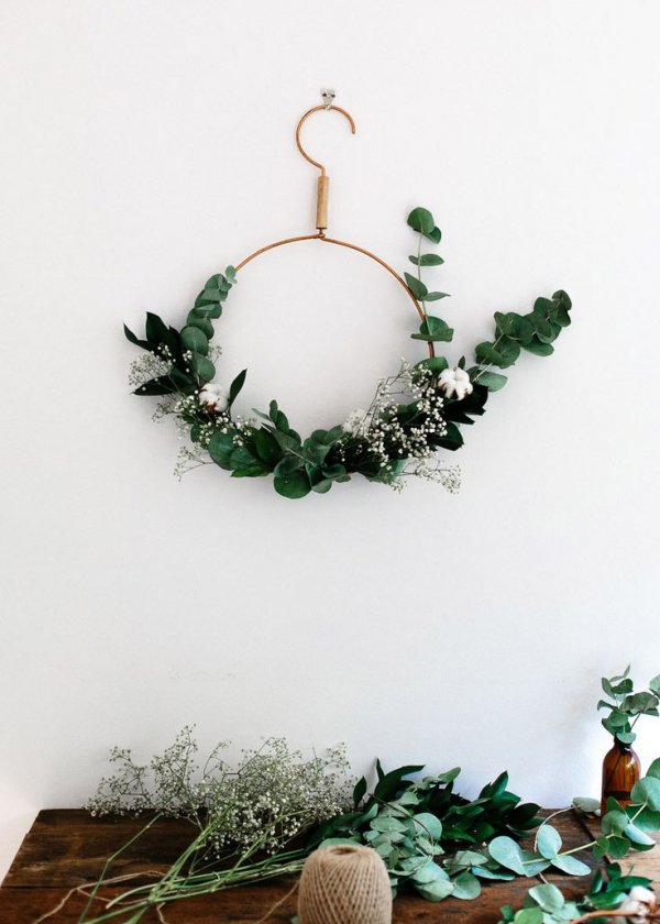 Christmas Inspiration: 5 Easy Ways to Use Eucalyptus for Festive Decor