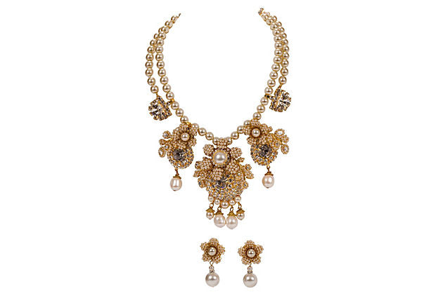 Vrba Necklace & Earrings Faux Pearl Set