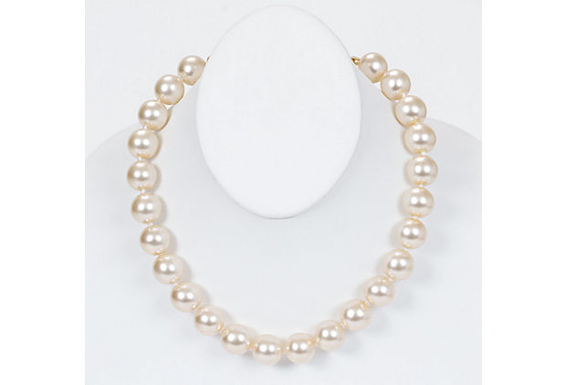 Chanel 80s Faux Mabe Pearl Chocker - Chanel - Vintage Lux
