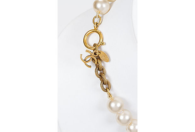 Chanel 80s Faux Mabe Pearl Chocker