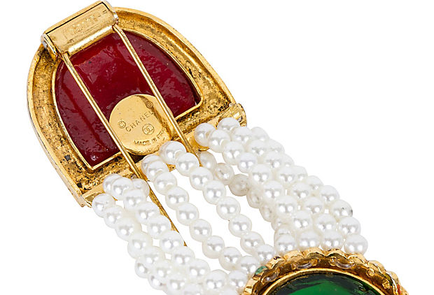 Chanel Collectible Gripoix Pearl Clip