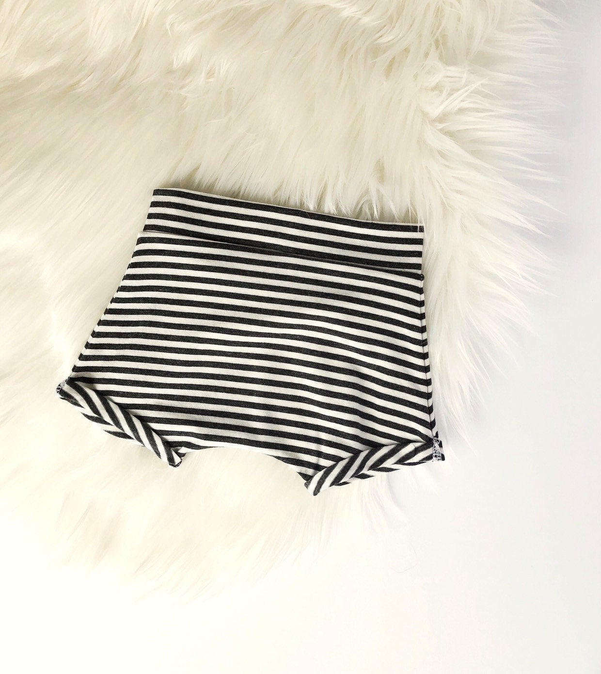 Harem shorties / Charcoal stripe