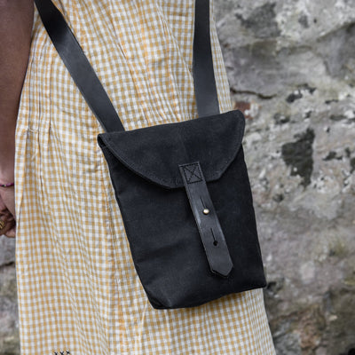 Peg and Awl The Small Hunter Satchel - All black - NOMADO Store