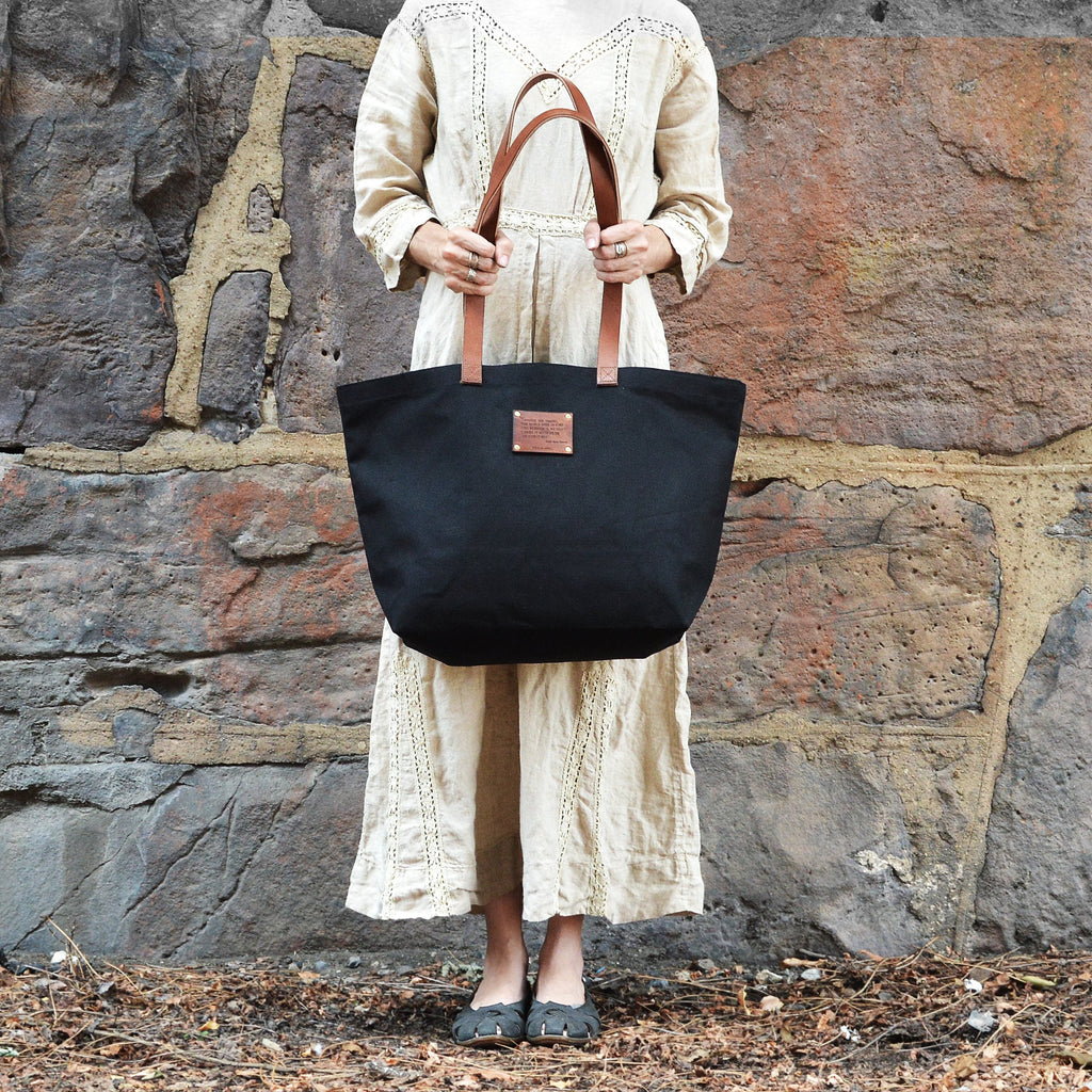 Peg and Awl The Seaside Tote - Brown / Emerson Quote - NOMADO Store
