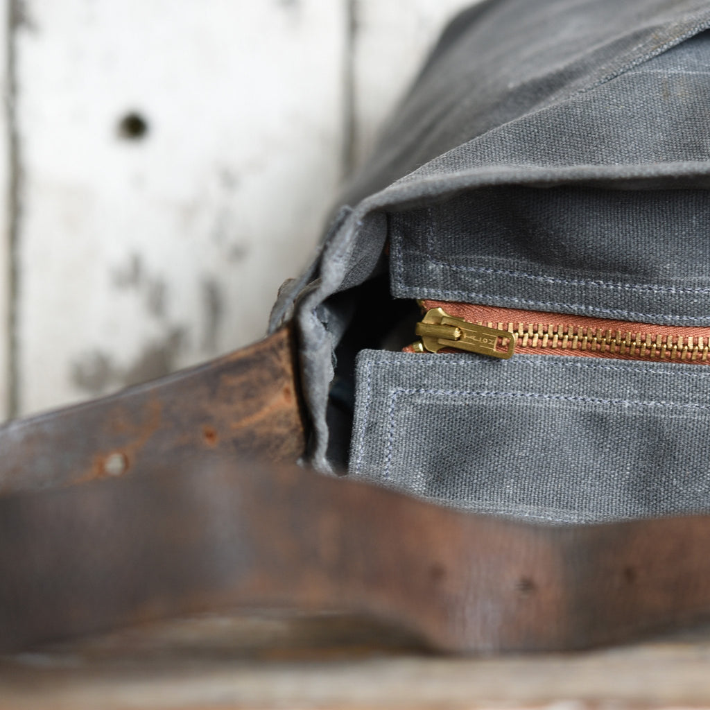 Peg and Awl Waxed Canvas Tote - Slate/Zipper PRE-ORDER - NOMADO Store