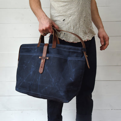 Peg and Awl Large Waxed Canvas Tote - Rook/Zipper - NOMADO Store