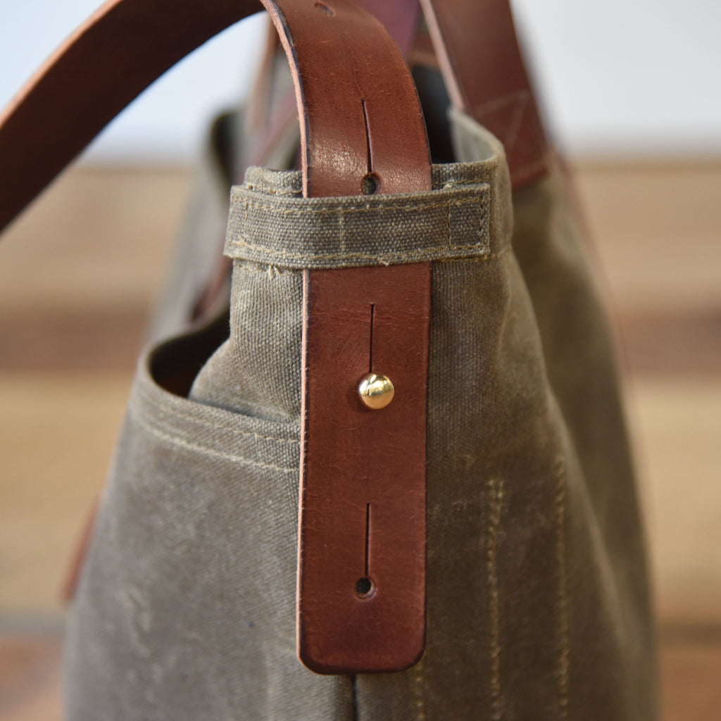 Peg and Awl Large Waxed Canvas Tote - Truffle/Zipper - NOMADO Store