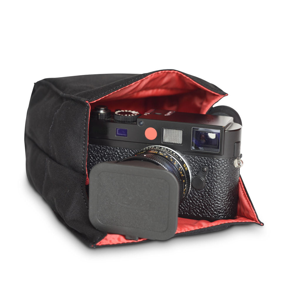 Artisan and Artist ACAM 75 canvas camera pouch (black, red, grey or khaki) - NOMADO Store