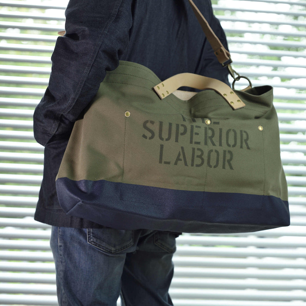 The Superior Labor Engineer Shoulder bag L khaki body navy paint - NOMADO Store