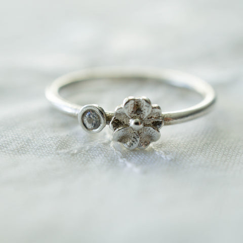 Seed Ring White Sapphire