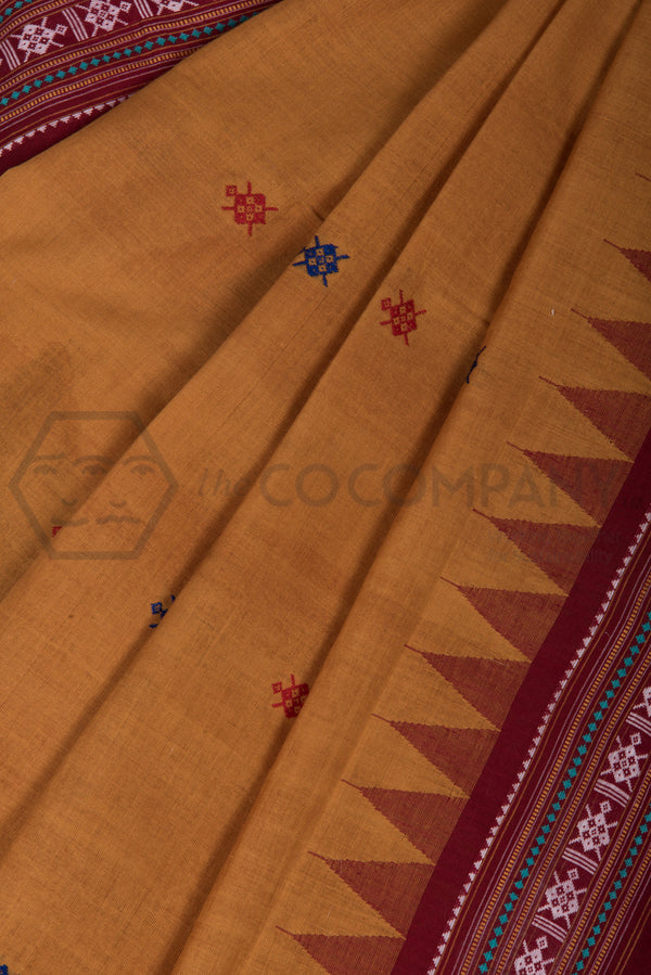 Traditional Dhalapathar Extra Weft Saree with Parrot Motifs