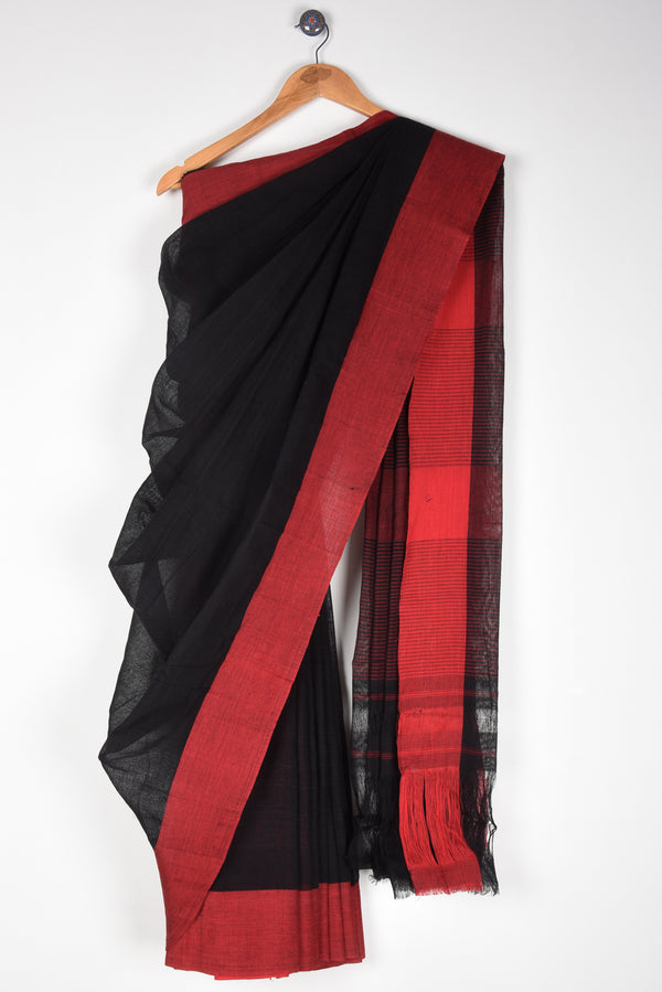 Plain Black Saree with Red Pateda Anchu