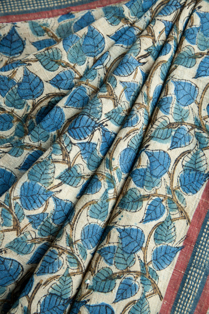 Peepal Leaves with Box Saree