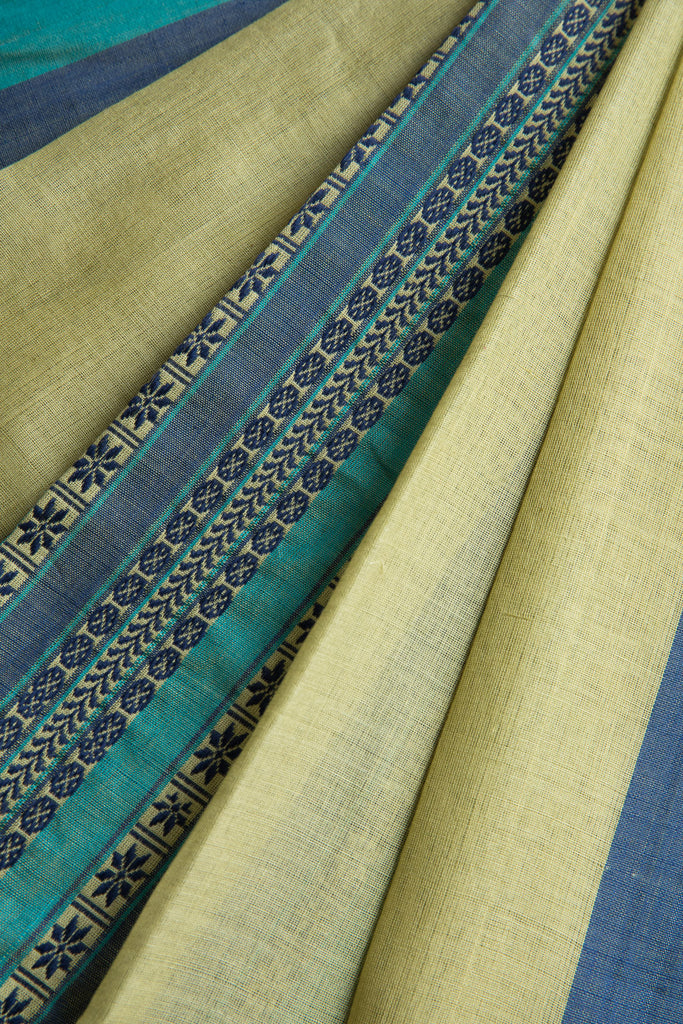 Green Saree with Middle Border(pachha phere)