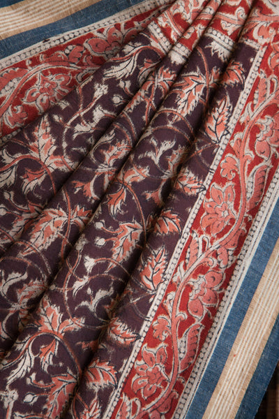 Tridax Leaves Print on Black Saree