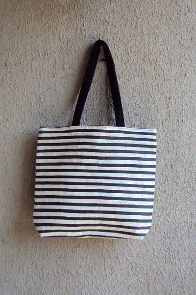 3R Black and White Handbag