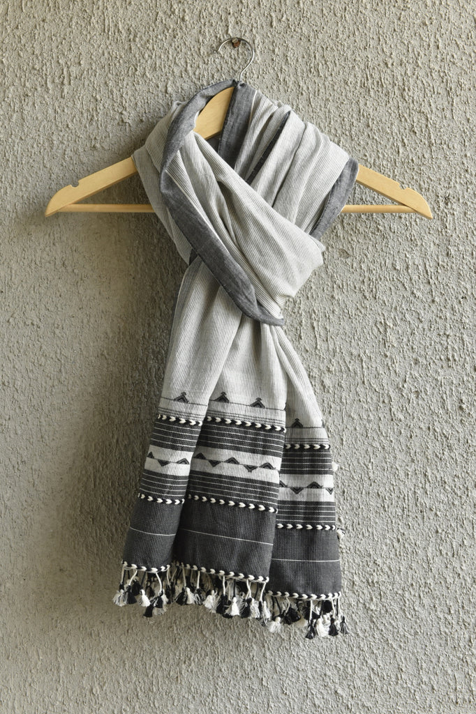 White Kutchhi Dupatta with Lines