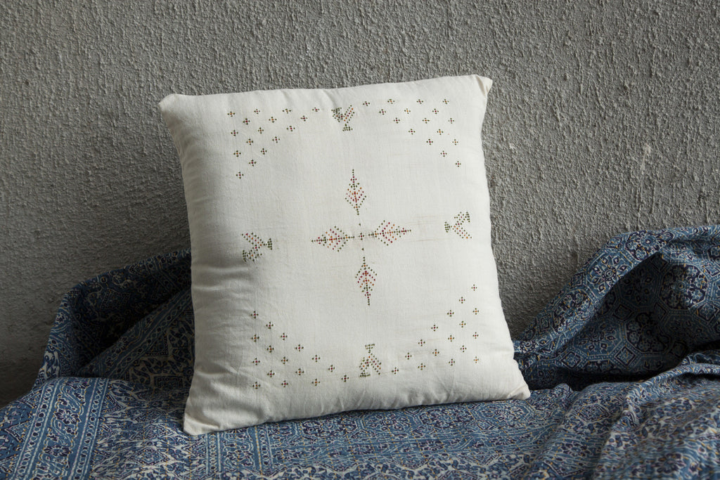 Tangaliya White Cushion Cover 16
