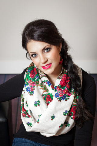 Traditional Ukrainian Hustka Scarf